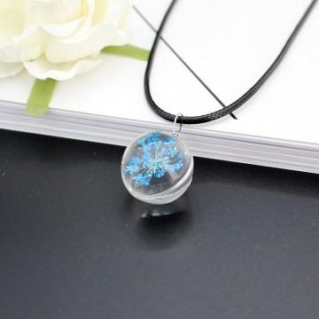 Pendentif rond Fleur pressée - Bleu ciel